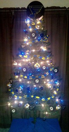 St. Louis Blues hockey Christmas tree