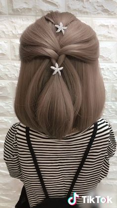Super easy to try a new ! today to find more amazing videos. Also you can post videos to show your unique hairstyles! Life's moving fast, so make every second count. Little Girl Hairstyles, Unique Hairstyles, Funny Hairstyles, Amazing Hairstyles, Hairstyle Ideas, Prom Hairstyles, Hairstyles For Short Hair Easy, Super Easy Hairstyles, Trending Hairstyles