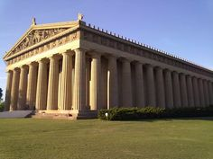 TRAVELING IN OUR FABULOUS GAY WORLD – The Parthenon in Nashville