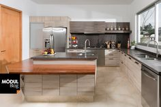 Cómo combinar diferentes tonos amaderados para tu cocina | Cocinas Integrales Mödul Studio