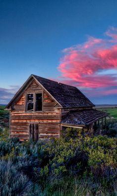 Abandoned house sunset in central Washington • photo: Fresnatic on Flickr