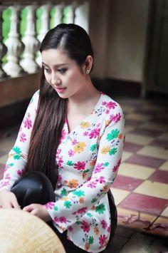 MC Kim Trang dịu dàng nón lá, áo bà ba | Hậu trường | Báo điện tử An Ninh Thủ Đô