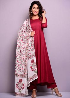 Ethnic Suit, Indian Ethnic Wear, Anarkali Dress, Anarkali Suits, Maroon Suit, Salwar Pattern, Churidar Designs, Traditional Outfits, Indian Outfits