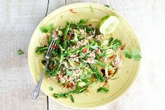 Rijstsalade met tonijn en bimi - Recept - Allerhande