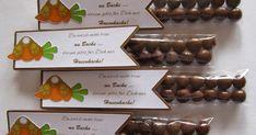 Hasenkacke zu Ostern - nach einer Idee aus dem Netz.             Das Fähnchen hab ich mir selber erstellt.