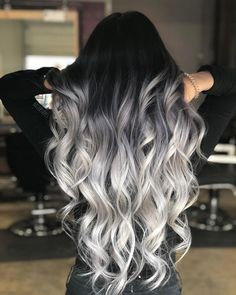 The trend hair colors from last year remain largely preserved: Ombré Balayage in all shapes and colors but also soft pastel hair Hair Dye Colors, Ombre Hair Color, Hair Color For Black Hair, Cool Hair Color, Ombre Hair Dye, Grey Hair Colors, Silver Hair Colors, Cute Hair Colors, Color Streaks