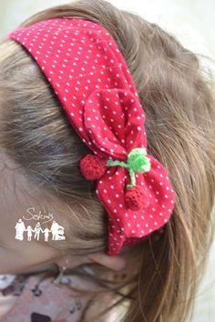Freebook Stirnband Knöpfchen für Kinder in verschiedenen Endvarianten •Tropfenform, Blütenform, Schleifenform, Möglichkeit noch Elemente aufzuknöpfen. nähen