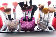 brush-holdersbelindaselene--diy-glitter-makeup-brush-holder-2oxyjpq0