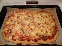 Äidin pizzapohja (pellillinen) Savory Pastry, Lasagna, Bakery, Pizza, Cheese, Ethnic Recipes, Food, Dinner Ideas, Essen