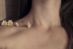 me, neck, chamomile
