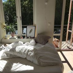 Inspirational ideas about Interior, Interior Design and Home Decorating Style for Living Room, Bedroom, Kitchen and the entire home. Curated selection of home decor products. Dream Rooms, Dream Bedroom, Home Bedroom, Bedroom Decor, Bedrooms, Light Bedroom, Deco House, Aesthetic Rooms, White Aesthetic
