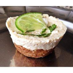 Torta raw cheesecake style de limão (sem glúten e sem lactose)
