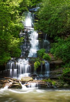 Indian Creek and Toms Branch Falls - The quick hikes on Deep Creek and Indian Creek Trails will bring you to the 25-foot-high Indian Creek and 60-foot-high Toms Branch Falls. Hikers should plan for 1-2 hours on the trail.
