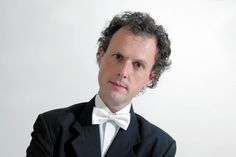 Join the Rainer Hersch Orkestra and no less that three top comedians at Petworth Festival's headline open air comedy event with 'Comedy in The Stables' on Friday 21 July.