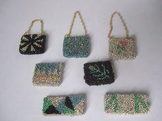 Wasting Gold Paper. bolsos con micro perlas