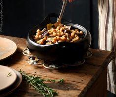 Ρεβύθια με μελιτζάνες | Συνταγή | Argiro.gr Food Categories, Chocolate Fondue, Eggplant, Vegan Vegetarian, Good Food, Beans, Turkey, Pudding, Vegetables