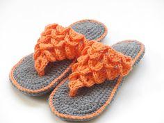 Woman's Crocodile Stitch Slippers Crochet Pattern, 4 sizes
