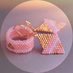 Earrings and ring pastel pink #smykker #øreringe #beadwork #beadjewelry