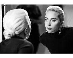 Tiffany & Co. sceglie Lady Gaga per City Hardwear - Tiffany & Co. presenta la nuova collezione di gioielli Tiffany City Hardwear, che rappresenta l'energia e lo spirito di New York City. - Read full story here: http://www.fashiontimes.it/2017/06/tiffany-lady-gaga-city-hardwear/
