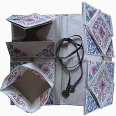 margaret cooter: Folded secrets - thread books - for this she used traditional pattern