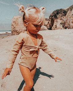 Baby Girl Fashion, Toddler Fashion, Kids Fashion, Winter Fashion, 2000s Fashion, Fashion 2020, Fashion Tips, Retro Fashion, Fashion Online