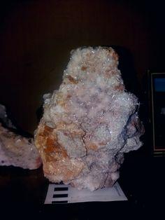 Aragonit von leogang Amethyst, Texture, Crystals, Crafts, Minerals, Surface Finish, Manualidades, Amethysts, Crystal