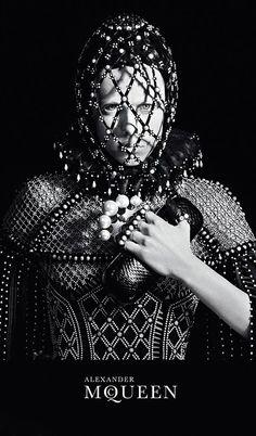 Alexander McQueen AW2013 #elizabethan beauty