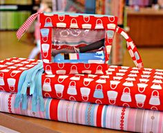 These little bags are SO cool and very easy to make.  Use up those fat quarters.