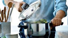 Quale pentola a pressione comprare? Amazon, Kitchen, Amazons, Cooking, Riding Habit, Amazon River, Kitchens, Cuisine, Cucina