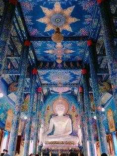 วัดร่องเสือเต้น - 7 tips Buddha Temple, Buddha Art, Theravada Buddhism, Laos, Thai Art, Magic Words, Deities, Southeast Asia, Asian Art