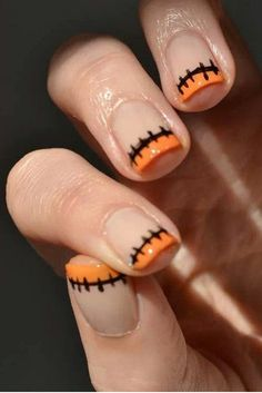 42 Halloween-Inspired Nail Looks That Are Cute AF - Cosmopolitan.com