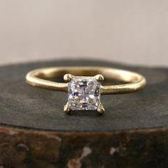 Princess cut diamond ring / 0.5ct