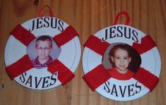 a Jesus Saves Picture Frame Here's an easy craft for Vacation Bible School. First trace a circle around the middle of the lid. I used a small cup to make my circle. Cut it out with a box cutter on a scrap piece of wood so you don't ruin your table. Bible Story Crafts, Bible School Crafts, Sunday School Crafts, Vbs Crafts, Church Crafts, Preschool Crafts, Preschool Bulletin, Jesus Rettet, Submerged Vbs