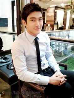 Singer Siwon of the 12-piece K-pop boy band Super Junior doesn't think anyone should start dating until they're ready, but says he's ready for physical contact after one day with a woman.