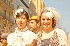 Bridal fascinators decored with veil.