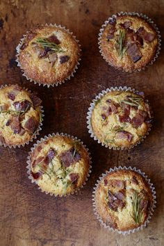 bacon cheddar muffins (with cornmeal, maple syrup, buttermilk, cheese and chives) --> plenty of room for adaptation!