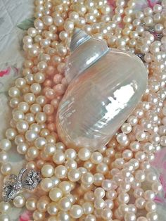 Maximize Your Beauty with Beautiful Pearl Jewelry