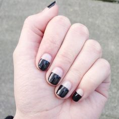 Try these easy-to-master minimal nail art designs from @Stylecaster | half black, half cleaar