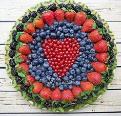 I LOVE this fruit platter!!!
