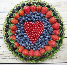 I LOVE this fruit platter!!!