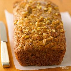 Classic Banana Bread Serve this moist banana-packed bread plain and delicious or top with honey butter for a special treat. If you're searching for a more classic banana bread recipe, this is the one. Make Banana Bread, Banana Bread Recipes, Cake Recipes, Dessert Recipes, Dessert Healthy, Apple Desserts, Nut Bread Recipe, Brunch, Sweet Bread