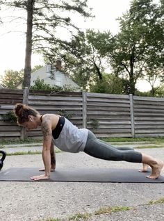 Gym Workout Tips, Fitness Workout For Women, Pilates Workout, Workout Videos, Yoga Fitness, Yoga Moves, Flexibility Workout, Yoga Sequences, Yoga Flow