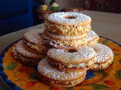Nocciolini ripieni di crema alla ricotta - Nocciolini stuffed with ricotta cream