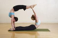 coordinacion yoga , son dos cobras una arriba de la otra