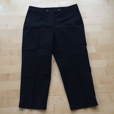 """Talbots Stretch Capris Beautifully made capris with slight stretch for comfort- very flattering! 18"""" waist, 26"""" inseam. Size 16. NWOT. Talbots Pants Capris"""