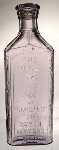 Owl Pharmacy Seven Troughs, Nevada, Clear, 6 inch An Owl Pharmacy of Seven Troughs, Nevada medicine bottle Old Medicine Bottles, Antique Glass Bottles, Apothecary Bottles, Bottles And Jars, Perfume Bottles, Apothecaries, Theme Halloween, Message In A Bottle, Vintage Bottles