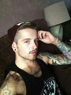 Nostril - piercing de nariz y tatuajes