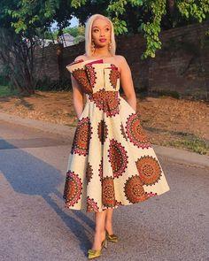 Short Ankara Dresses, Ankara Skirt And Blouse, Ankara Dress Styles, African Wear Dresses, Latest African Fashion Dresses, African Attire, Ankara Fashion, Modern African Print Dresses, Ankara Tops