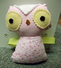 Baby Owl Taggie from Sew Many Pretties...I like this, but I'll try it a bit differently...