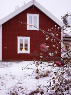 . Weekend House, Interior Stylist, Country Life, White Christmas, Scandinavian, Red And White, Anna, Christmas Decorations, Seasons